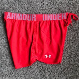 Under Armour Loose Heat Gear Shorts